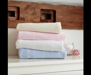 Cellular blanket for pram and crib